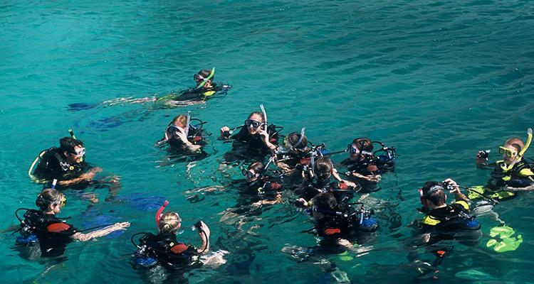 Diving-in-NhaTrang