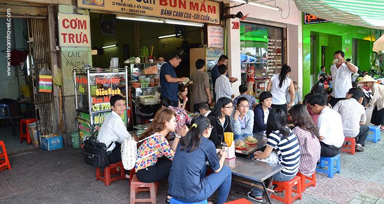 Taste-the-food-of-Vietnam-Saigon