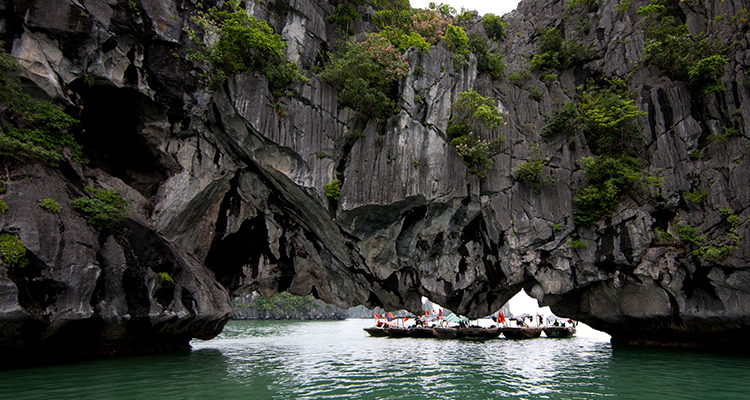 Halong-Luon-cave