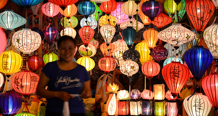 Day 4: Danang – Hoian Walking Tour.