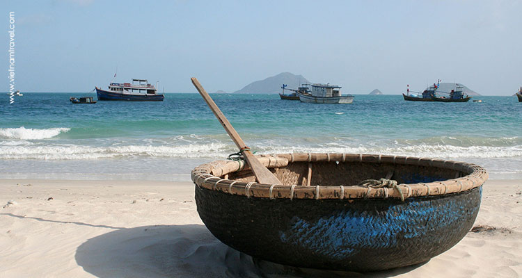 Day 12: Soc Trang – Speedboat to Con Dao – Beach time