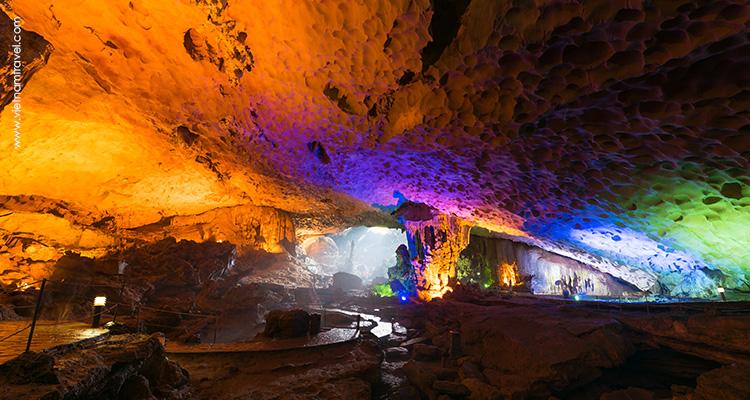 Vietnam-Halong-Dau-Go-Cave