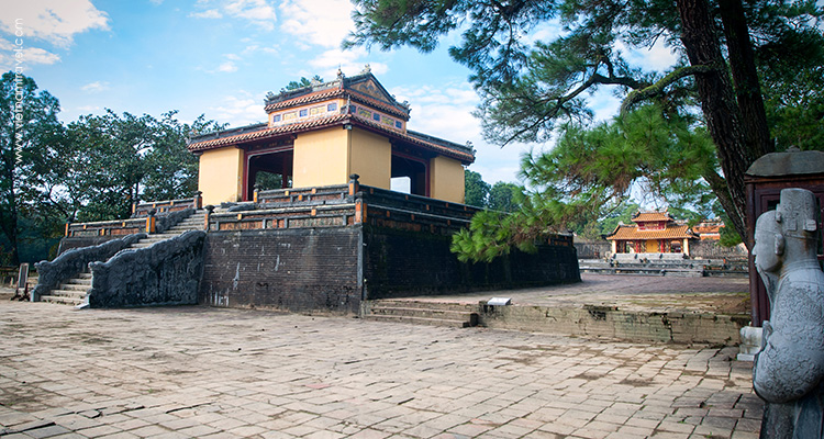 Day 6: Hoian – Drive to Hue.