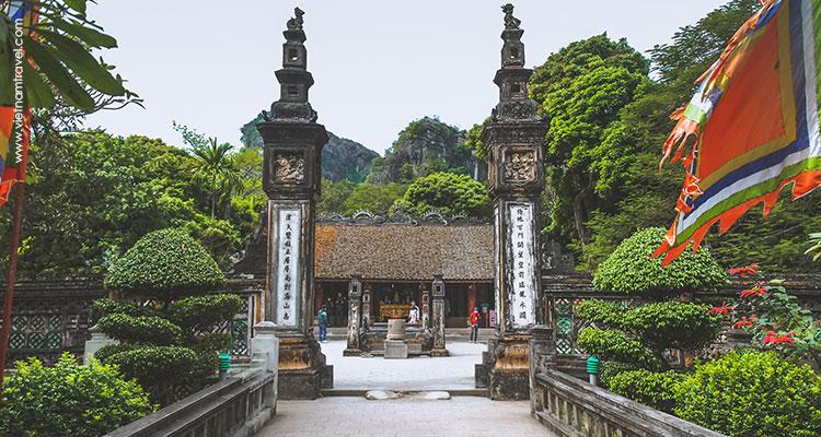 Vietnam-Ninh-Binh-Hoa-Lu