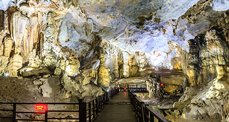 Day 8: Quang Binh – Paradise Cave – Quang Binh.