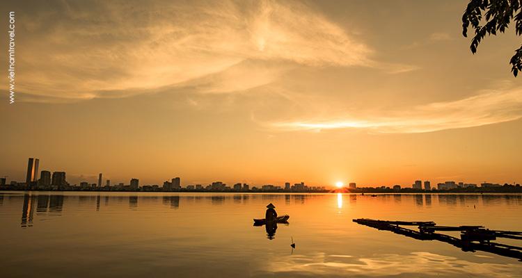 Vietnam-hanoi-Wesst-Lake
