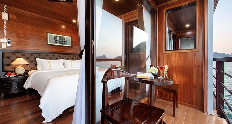 Day 10: Halong Bay Cruise.