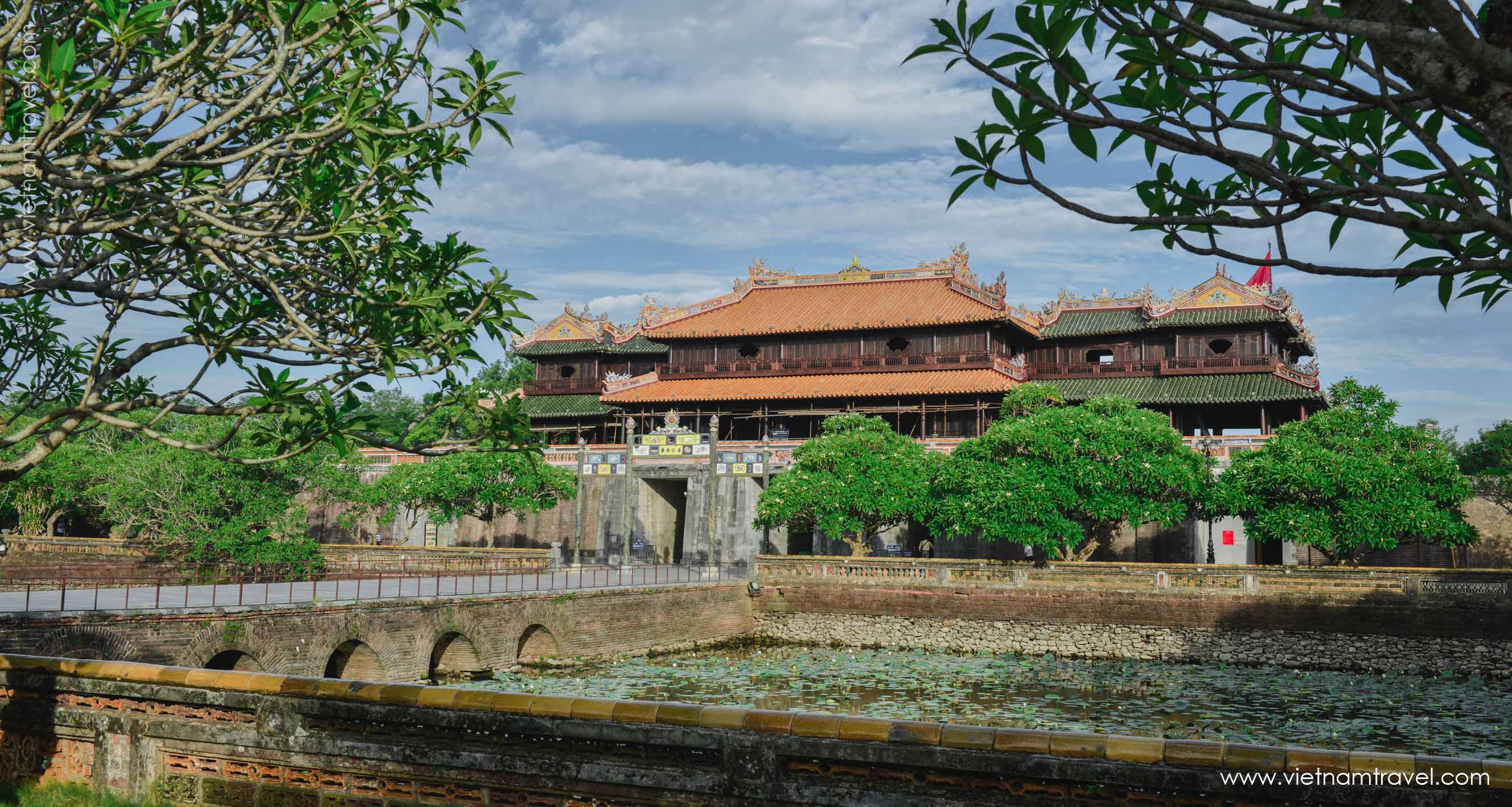 Hue – Footsteps of the Last Monarchy