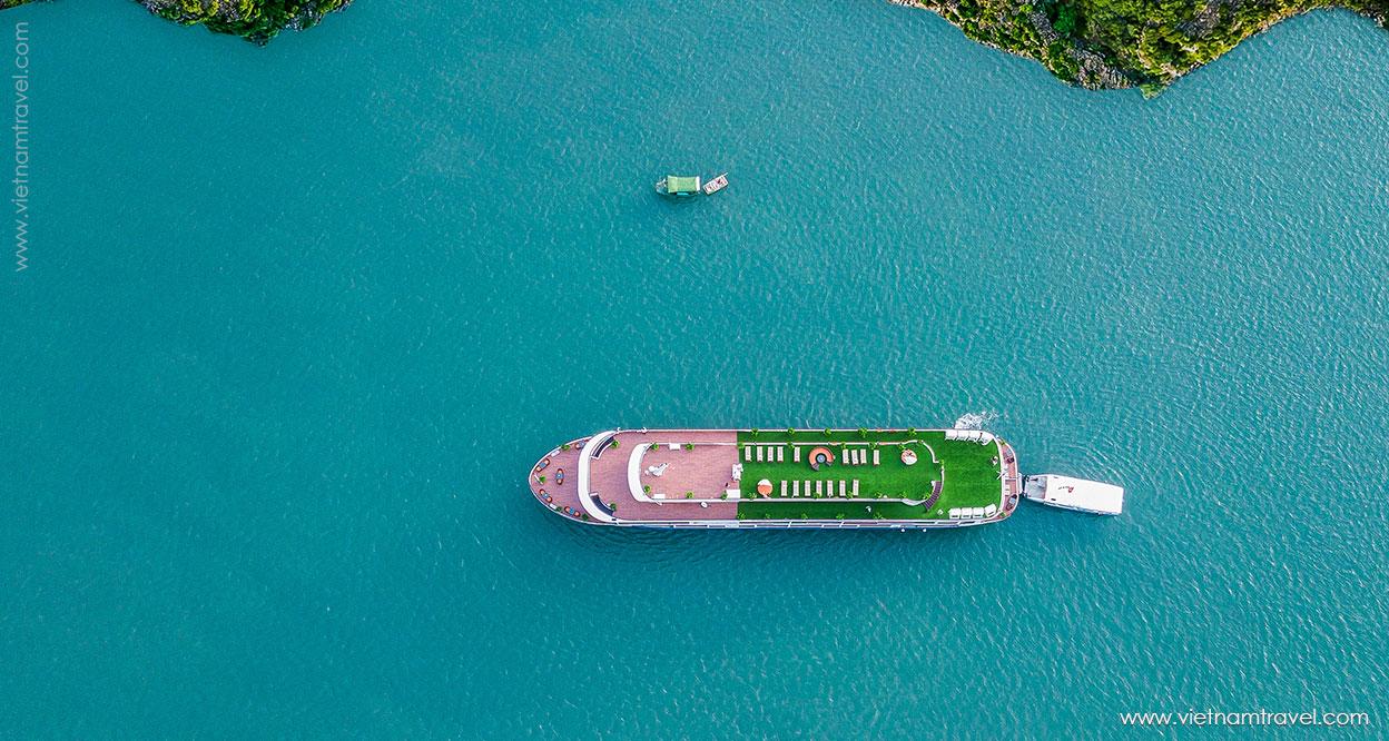 A sneak peek into the UNESCO's World Heritage, Halong Bay