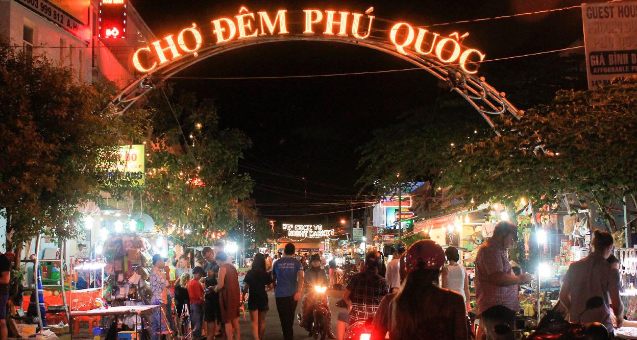 Visiting nights markets