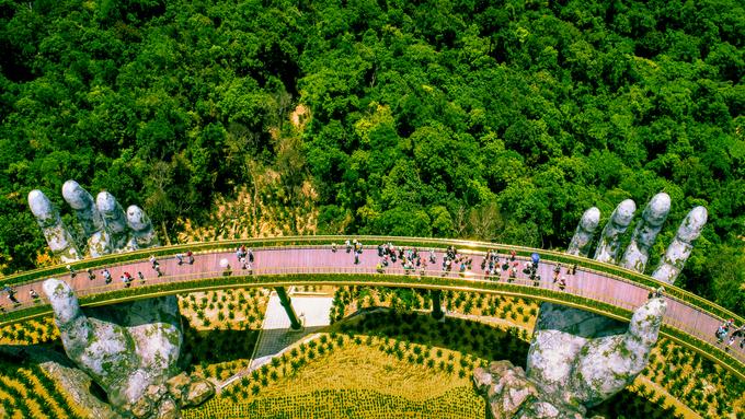 Danang gold bridge