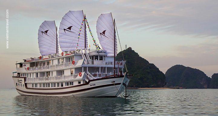Signature Royal Cruise vietnam