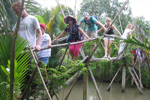 Vietnam Monkey Bridge - A Dangerous Bridge in The World.