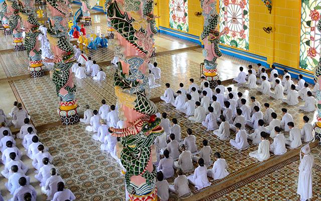 TOP 15 Famous Temples in Vietnam