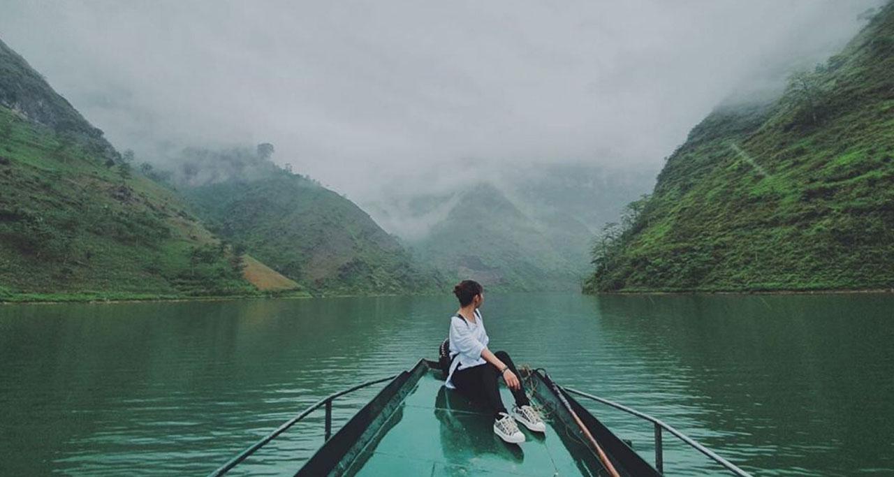 Nho Que river boat trip