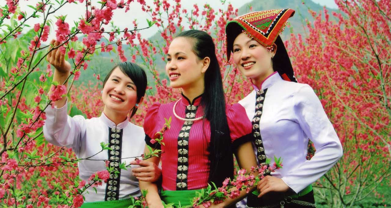 Traditional costumes of Thai