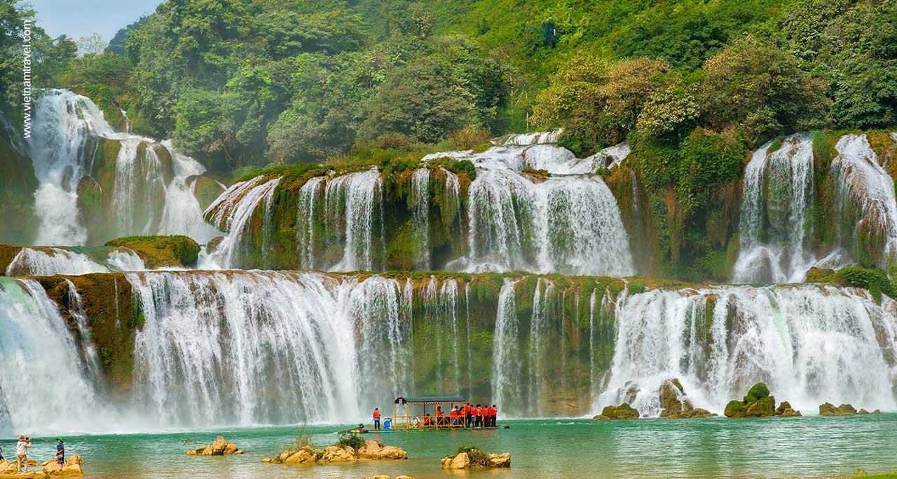 Ban Gioc Waterfall (Cao Bang Province).