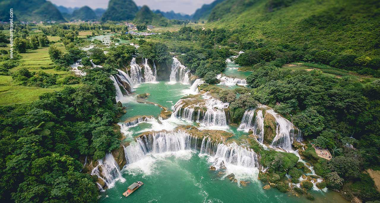 ban gioc waterfall,cao bang, vietnam