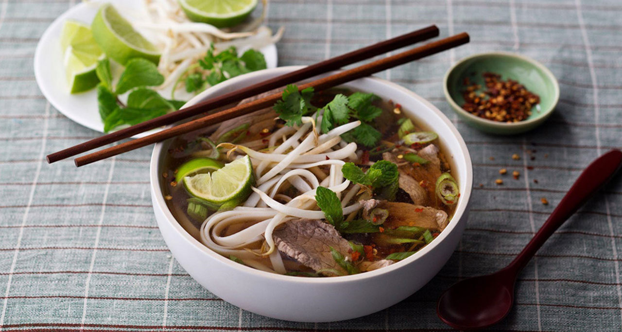 Pho - the most famous dishes of Vietnamese food