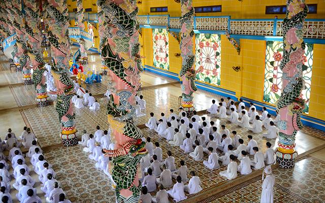 Cao Dai Temple - Cu Chi Tunnel