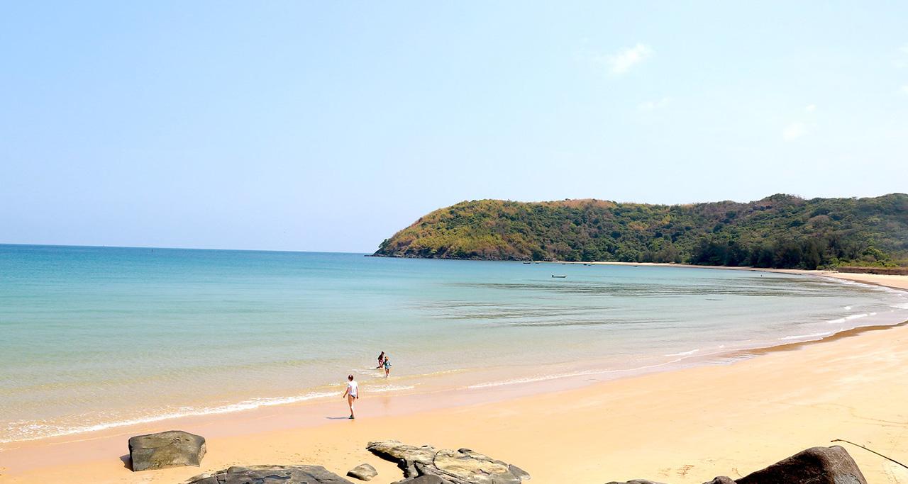 Dam Trau Beach